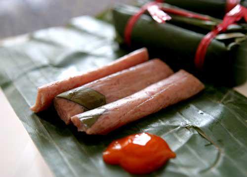Nem chua – Vietnamese fermented pork roll