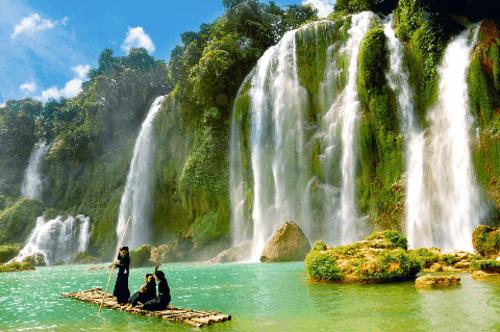 Visit Trung Khanh mountain in Cao Bang province