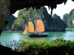 Ha Long, Ha Long Bay, Quang Ninh, Quang Ninh province, tourist guide, travel guide, vietnam discovery, vietnam news, vietnam tour guide, vietnam tourism, vietnam tourist guide, vietnam tours, vietnam travel, vietnam travel guide, vietnam's regions, where should go, World Heritage