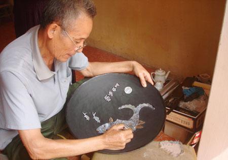 Chuyen My Wood Carving Village in Ha Noi