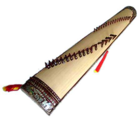 The Vietnamese 16-chord zither (Đàn Tranh, Đàn Thập Lục)