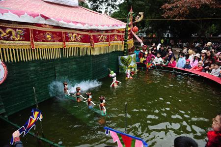 Dao Thuc Water Puppet Village in Ha Noi