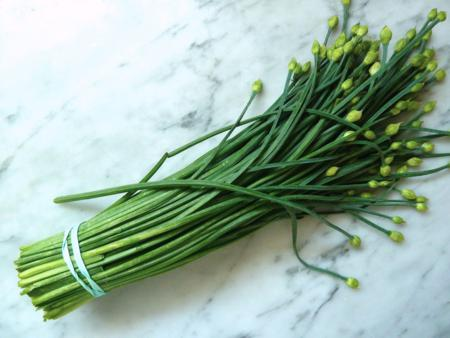 vietnamese vegetables, vietnamese herbs, vietnamese veggies, basic ingredients, chive