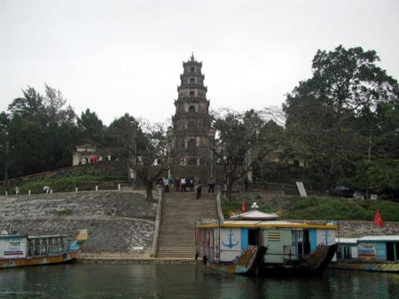 thien mu pagoda, vietnamese pagoda, Hue