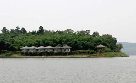Dai Lai lake in Vinh Phuc 1