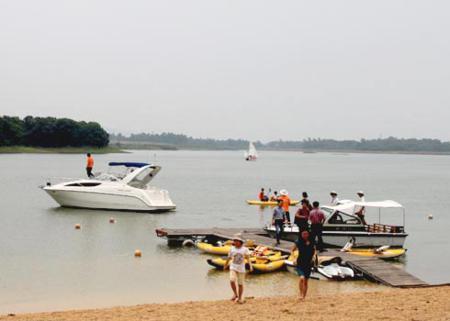 Dai Lai lake in Vinh Phuc 2