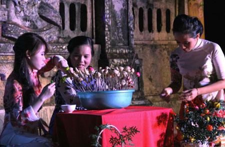 Entertainment at night in Hue