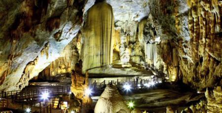 Paradise cave - Quang Binh province