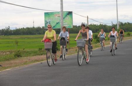 Cycling tourism in Vietnam
