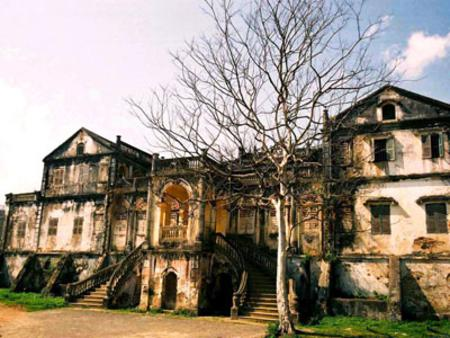 Attractions in Sapa: Hoang Yen Chao castle