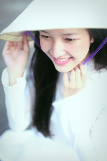"Beautiful girl with ""Nón Huế"""