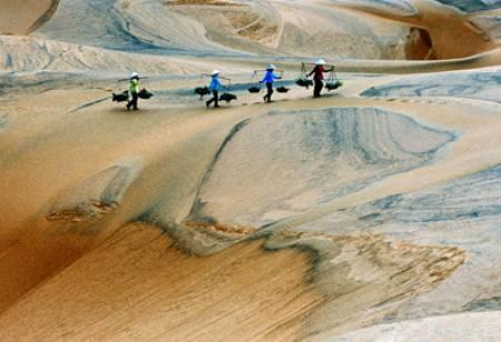 sand-hills-in-phan-thiet-vietnamsurpise