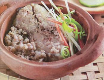 "How to make ""ca thu chung thit"" sauce (mackerel-meat sauce)"